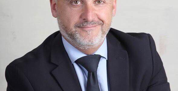 Dr. Xavier Melo